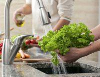 Những thói quen chế biến rau xanh gây hại nghiêm trọng