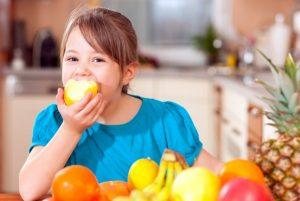 Rau quả làm thuốc chữa bệnh cho trẻ em